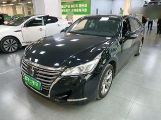 丰田皇冠 2.5L