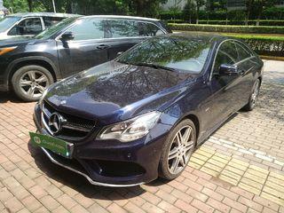 奔驰E级Coupe E200