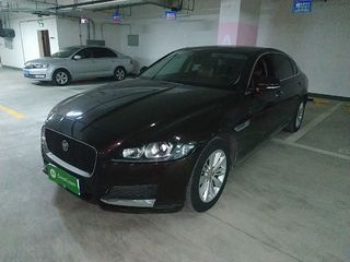 捷豹XFL 2.0T